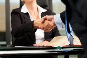 למה חשוב להיעזר בעורך דין כשמגיעים לענייני ירושה?