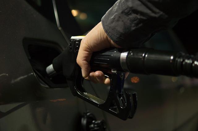 איך שואבים דלק לא נכון