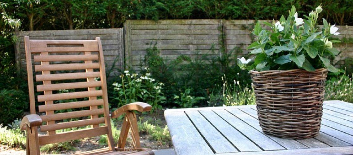 10 טיפים לעיצוב החצר והגינה הביתית